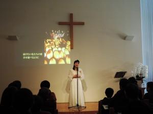 神戸平野教会の礼拝堂に森祐理さんの力強い声が響いた