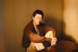 刑務所から無罪を主張し続ける袴田 (C) BOX製作プロジェクト2010