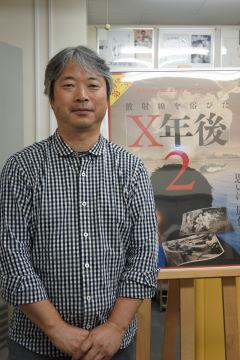 伊藤英朗監督プロフィール:1960年愛媛県生まれ。南海放送(テレビ)ディレクター。2004年にビキニ環礁水爆実験での被ばく調査を自主学習テーマにしている高校のドキュメントを制作。以来、この事件とかかわり続け前作「放射線を浴びたX年後」を映画にまとめた。 (C)クリスチャン新聞