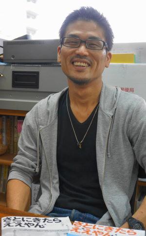 監督:重江良樹(しげえ・よしき) 1984年、大阪府出身。ビジュアルアーツ専門学校大阪卒業後、映像制作会社勤務を経てフリー。2008年に「こどもの里」にボランティアとして入ったことがきっかけで2013年より撮影し始める。本作が初監督作品。 (c)stjclord4