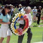 8月25日号紙面:第25回英連邦戦没捕虜追悼礼拝で関田氏 兵士たちの献身に応え 「隔ての壁取り除く」働きに加わる