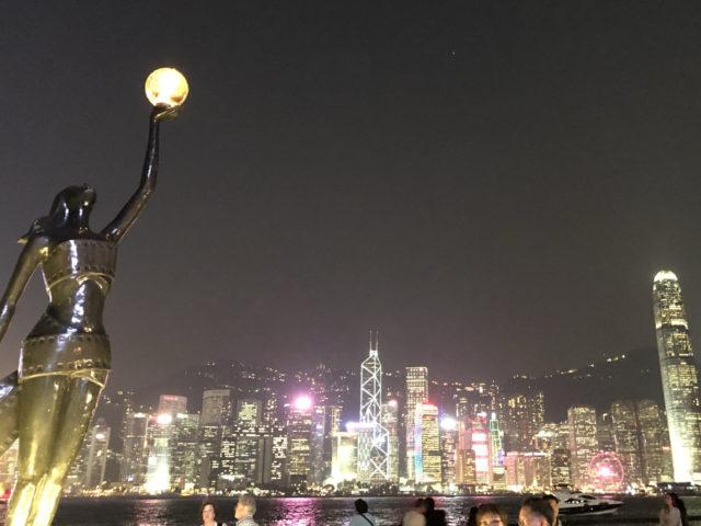 香港を覚えての祈祷会で王牧師 台湾で移住者ケア