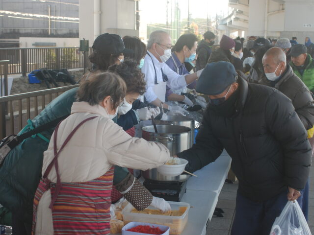 1月24日号紙面:コロナ禍で路上生活者支援  足立愛の教会給食伝道「給付金」も